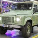 Последний экземпляр Land Rover Defender сошел с конвейера завода