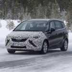 Первые шпионские фото нового Opel Zafira