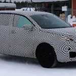 Кроссовер Peugeot 6008 впервые замечен на тестах