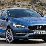Обновленный Volvo V40 покажут в Женеве