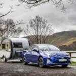 Toyota впервые соединила Prius с прицепом