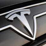 Tesla планирует пикап и еще две модели