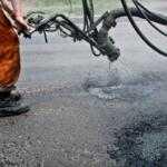 Укравтодор назвал области, которые лидируют в «ямочном» ремонте
