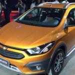 Chevrolet представил рестайлинговые Onix и Prisma