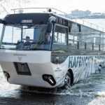В Германии создали первый в мире туристический автобус-амфибию