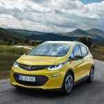 Opel представил в Париже народный электромобиль Ampera-e