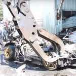 Lamborghini Murcielago показательно разорвали на части