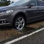 Автомобили Ford смогут предупреждать водителей о ямах