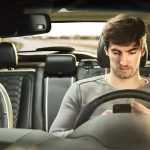Ford: молодые водители превышают скорость, отвлекаются от дороги и садятся за руль нетрезвыми