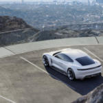 Porsche Mission E появится на рынке в 2019 году