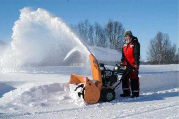 Мотоблок для уборки снега