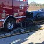 Электрокар Tesla Model S с включенным автопилотом попал в аварию