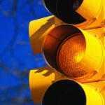 Кабмин предложил упразднить желтый сигнал светофора