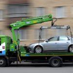 Как эвакуировать машину без лишних трат: советы начинающим водителям