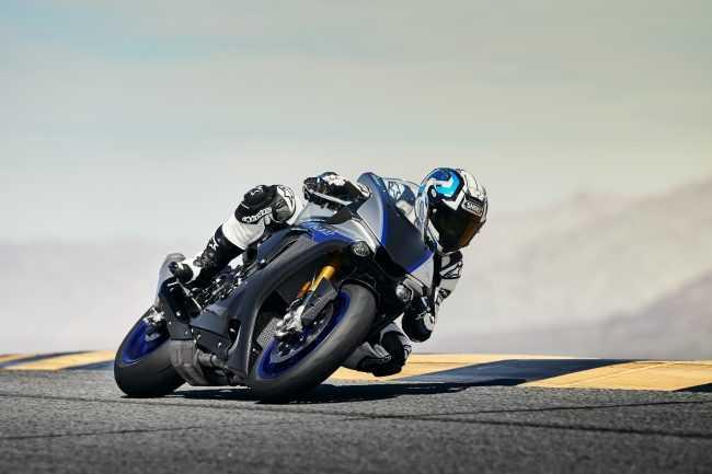 Мотоцикл на треке
