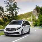 Первый в мире электрический минивэн: Mercedes опять впереди