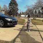Датчики автопилота Tesla проверили на ребенке