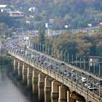 Мост Патона избавят от реверсивной полосы