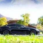 Автопилот Тесла не справился с управлением и убил водителя