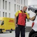 DHL начнёт доставлять посылки в багажники автомобилей Smart