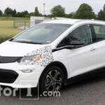 Opel вывела на дорожные испытания электромобиль Ampera-e