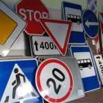 Мэрия Львова предлагает добавить в ПДД новые знаки