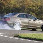 Новый Mercedes-AMG E63 получит полный привод и дрифт-режим