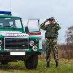 Изменения в ПДД: водителей обязали останавливаться по требованию пограничников