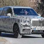 Первые фотографии внедорожника Rolls-Royce в движении