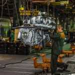 Гройсман пообещал преференции украинским автопроизводителям