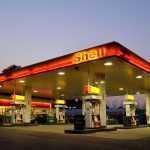 Shell и Total начнут заряжать электромобили