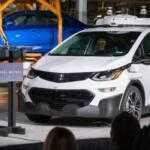 Первая массовая партия беспилотных Chevrolet Bolt сошла с конвейера