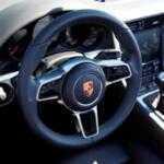 Porsche купит владельцам автомобилей солнцезащитные очки