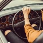 Настройте автомобильное сиденье, как стул на рабочем месте, чтобы уменьшить боль