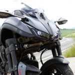 Обзор удивительного мотоцикла Yamaha Niken, на котором очень сложно упасть