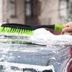 Как очистить автомобиль от снега